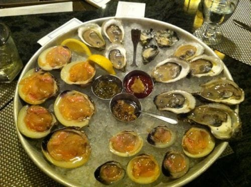 Raw Clams Oysters