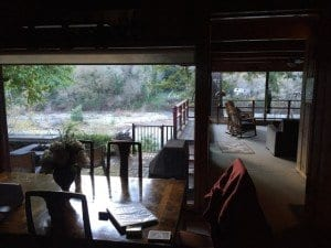 Kinda Different Off Grid. Holiday River House.